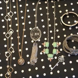 7 pieces of jewelry